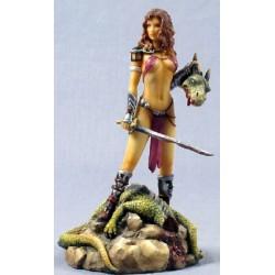 Donna guerriera con spada...